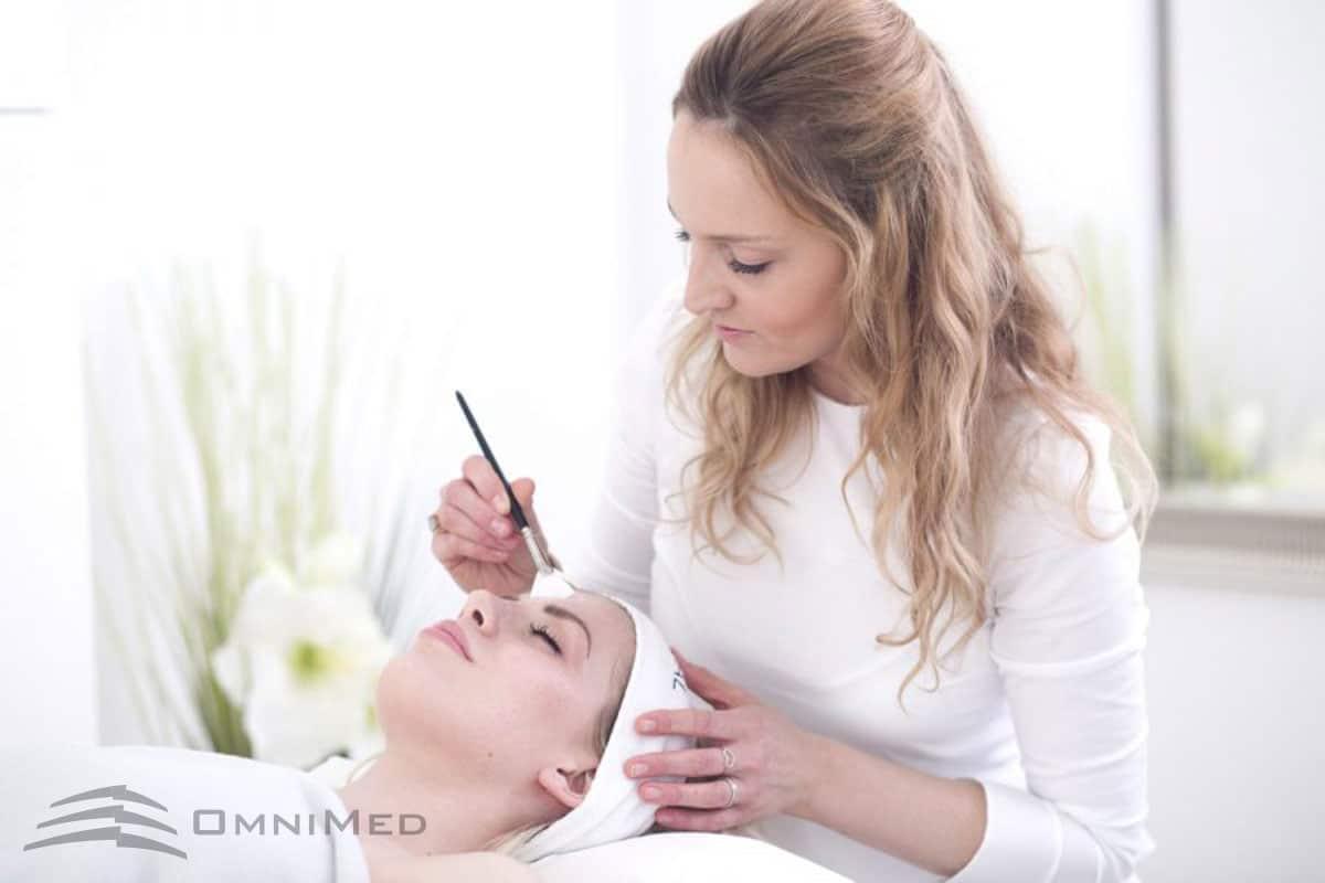 Medizinische Peelings bei OmniMed