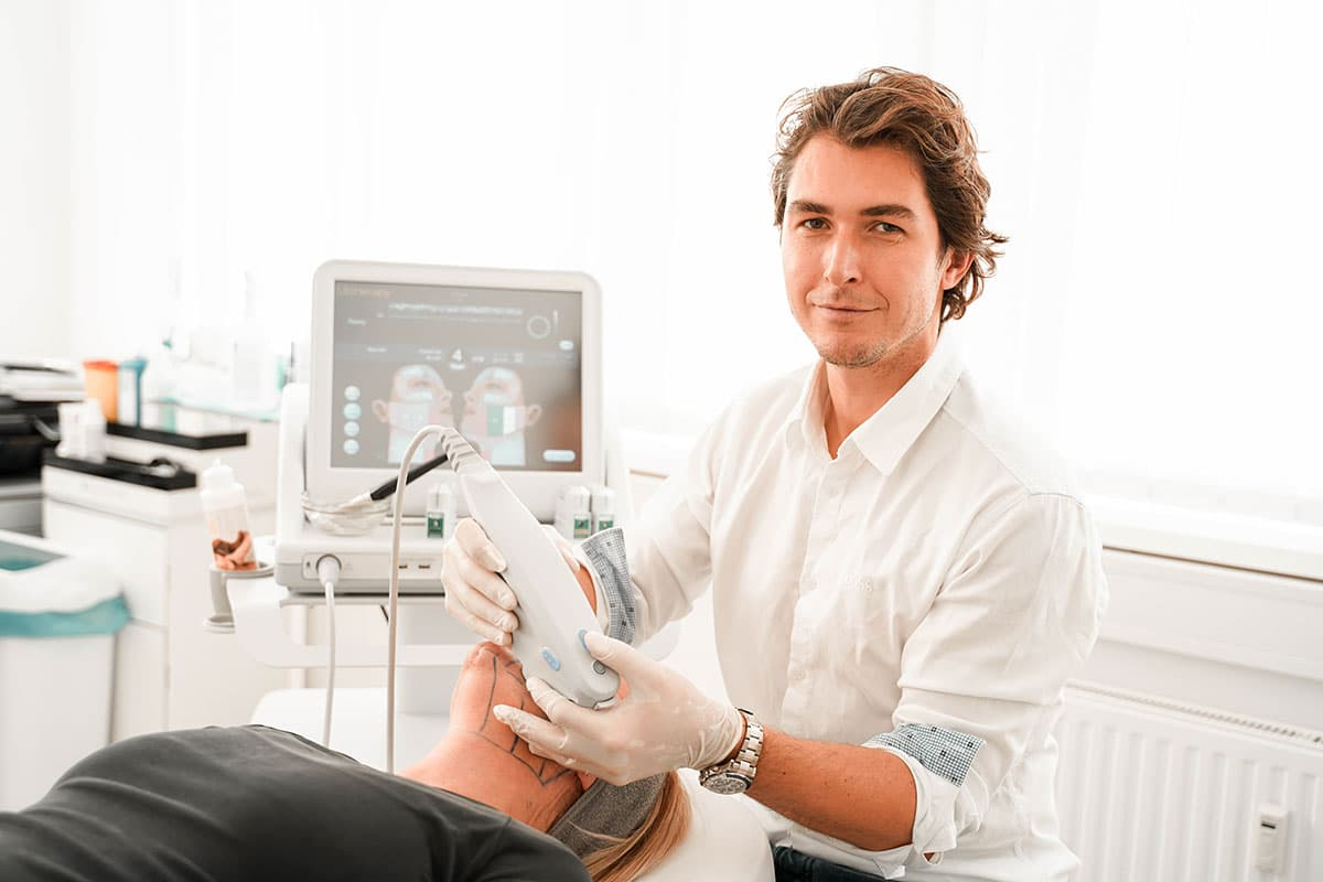 Ultherapy: Lifting mit Ultraschall-Power bei OmniMed